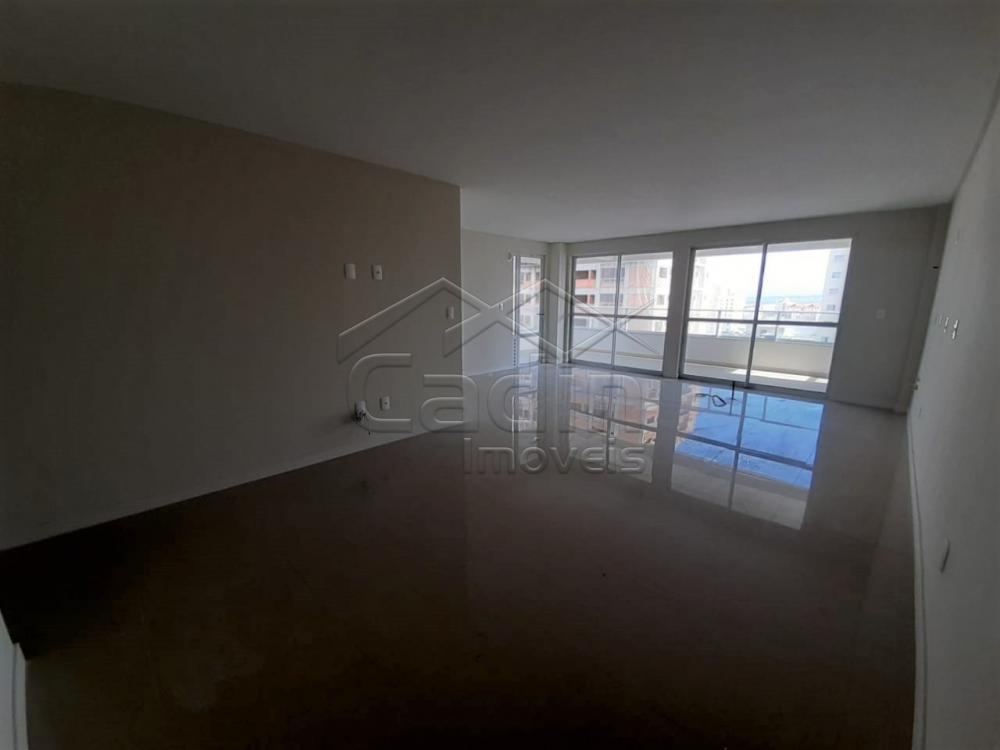 Comprar Apartamento / Padrão em Navegantes R$ 680.000,00 - Foto 4