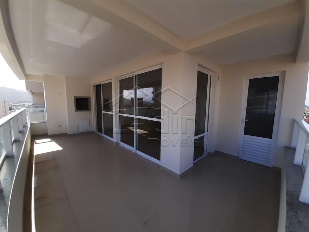 Comprar Apartamento / Padrão em Navegantes R$ 680.000,00 - Foto 9