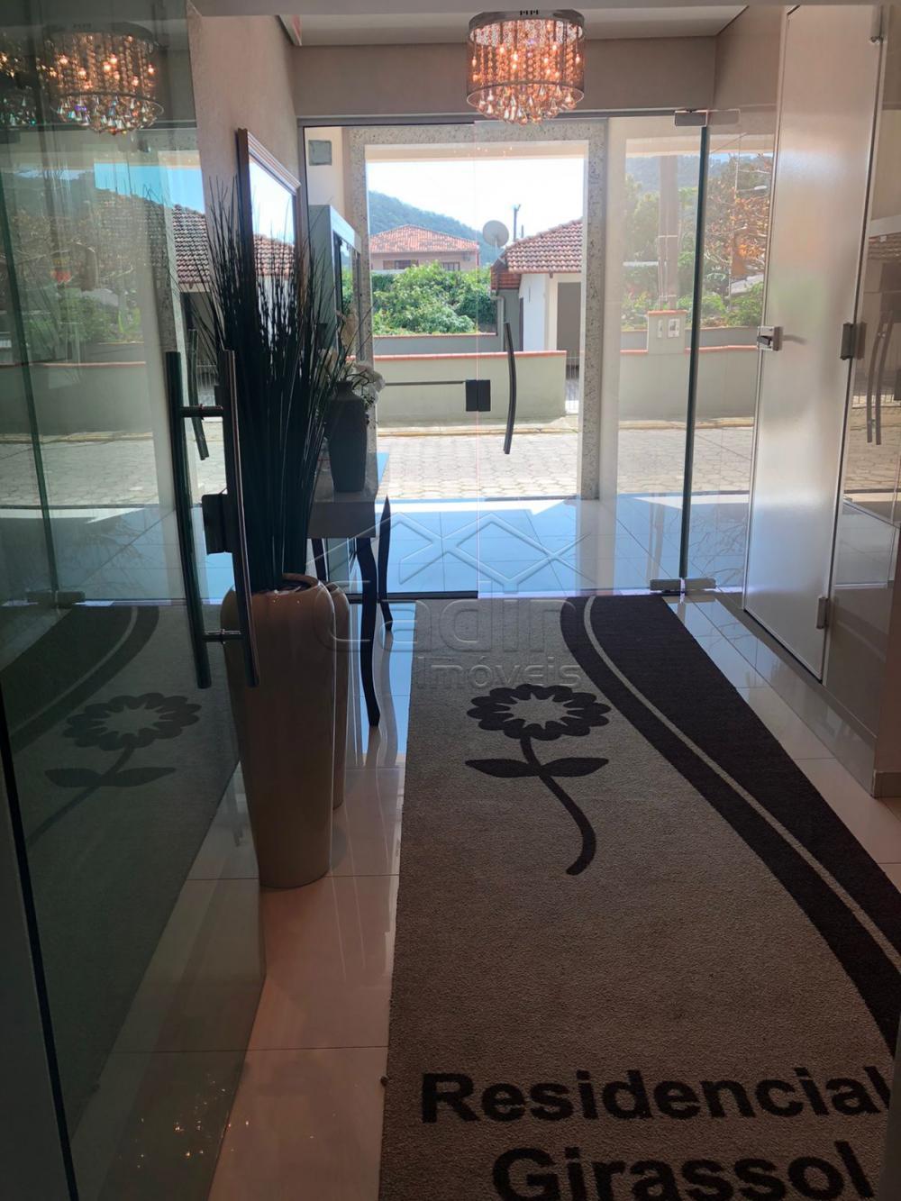 Comprar Apartamento / Padrão em Navegantes R$ 305.000,00 - Foto 4