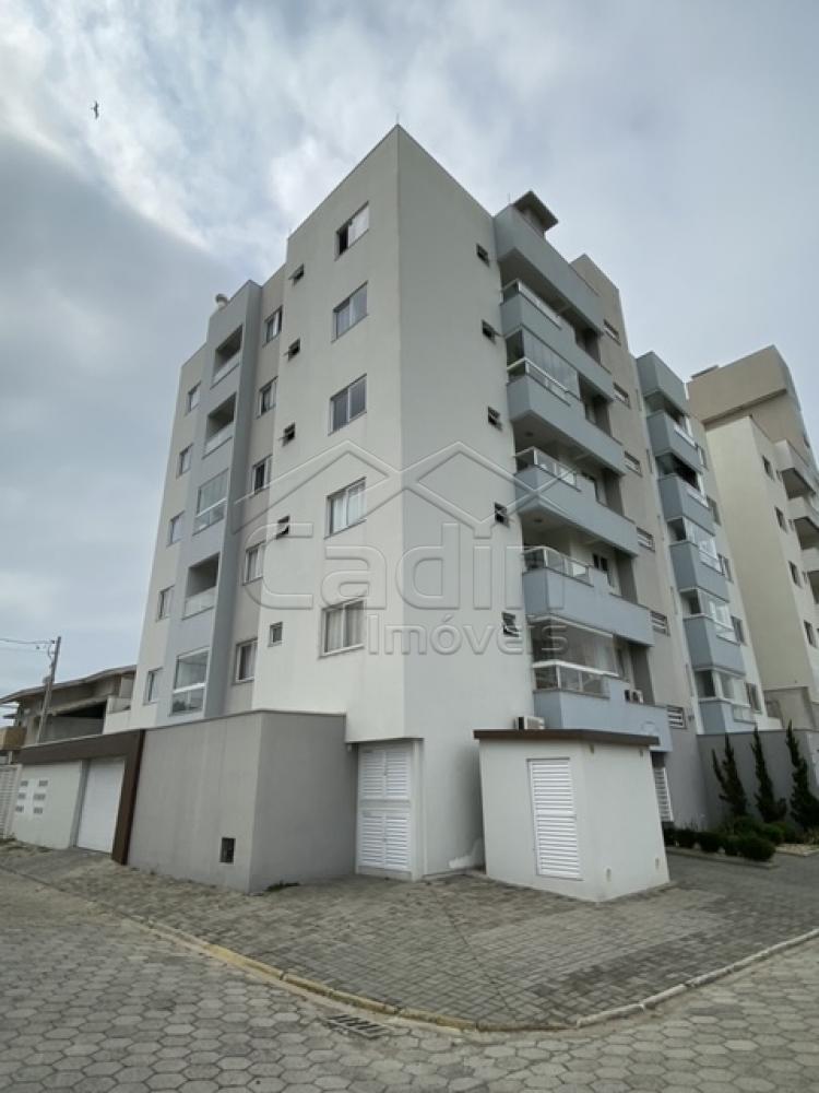 Comprar Apartamento / Padrão em Navegantes R$ 330.000,00 - Foto 1