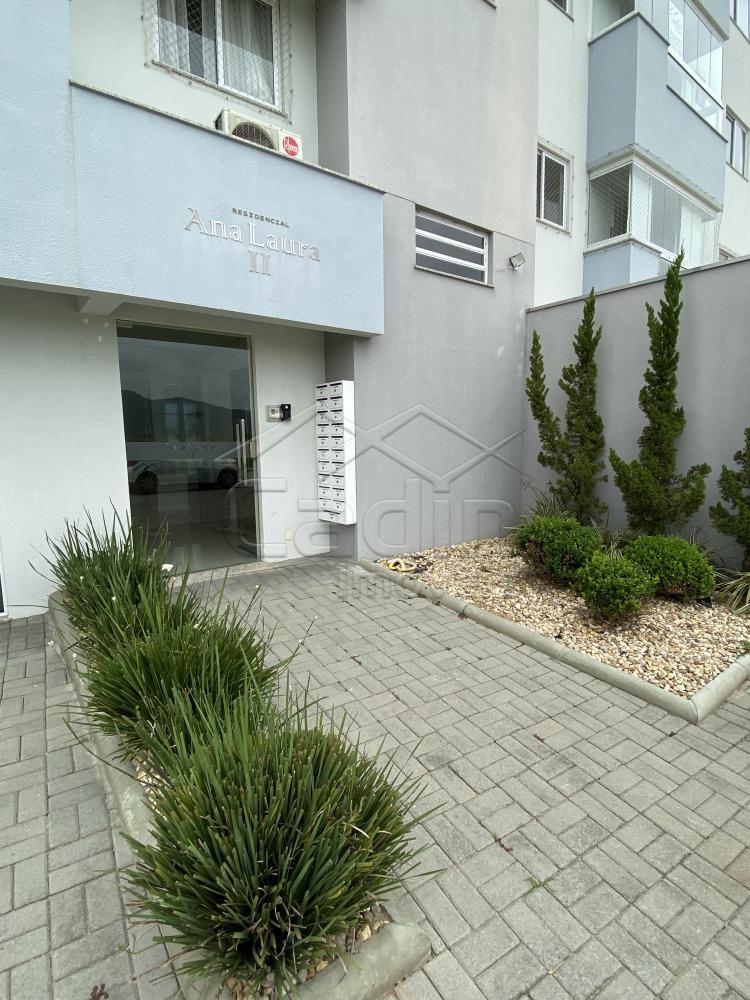 Comprar Apartamento / Padrão em Navegantes R$ 330.000,00 - Foto 2