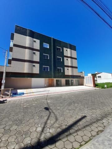 Alugar Comercial / Sala em Navegantes. apenas R$ 1.300,00