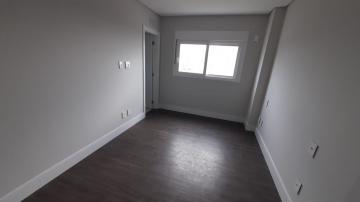 Alugar Apartamento / Padrão em Navegantes R$ 3.500,00 - Foto 42