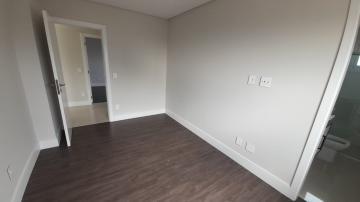 Alugar Apartamento / Padrão em Navegantes R$ 3.500,00 - Foto 43