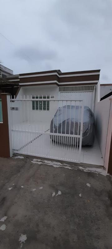 Alugar Casa / Geminada em Navegantes. apenas R$ 260.000,00