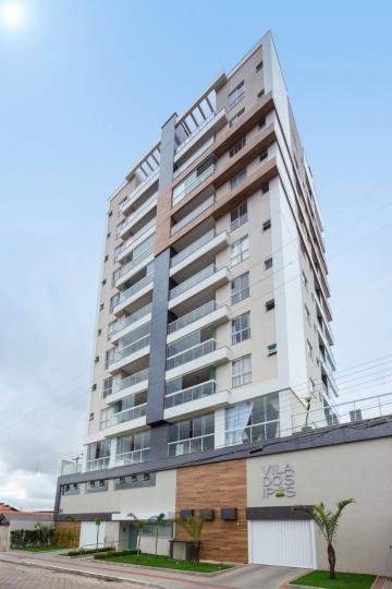 Alugar Apartamento / Padrão em Navegantes. apenas R$ 746.000,00