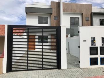 Alugar Casa / Geminada em Navegantes. apenas R$ 425.000,00