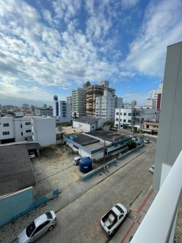 Alugar Apartamento / Padrão em Navegantes. apenas R$ 505.000,00