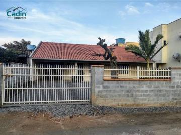Alugar Casa / Padrão em Navegantes. apenas R$ 520.000,00