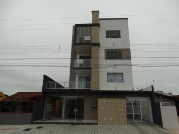 Alugar Apartamento / Padrão em Navegantes. apenas R$ 380.000,00