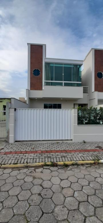 Alugar Casa / Sobrado em Navegantes. apenas R$ 470.000,00